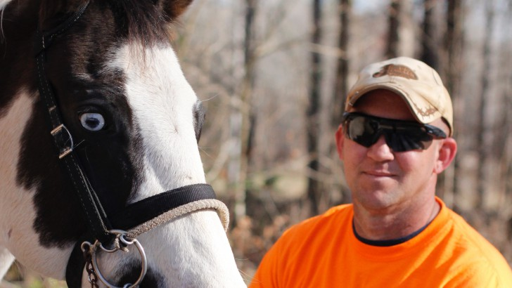 Horses Help Heal those who Serve