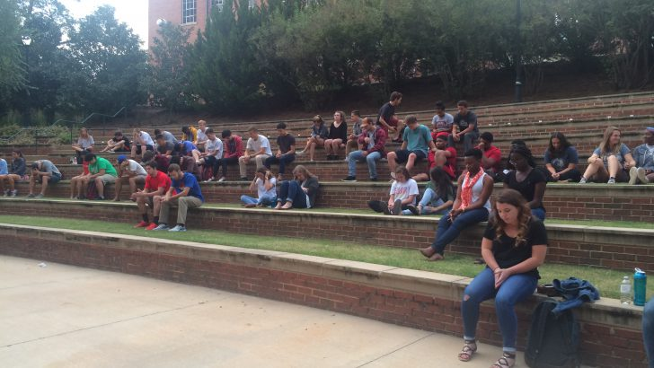 UGA Students Pray For Peace