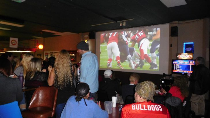 Athens' restaurants the real winners on Super Bowl Sunday